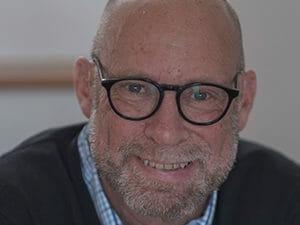 Dr. Gavin Henning